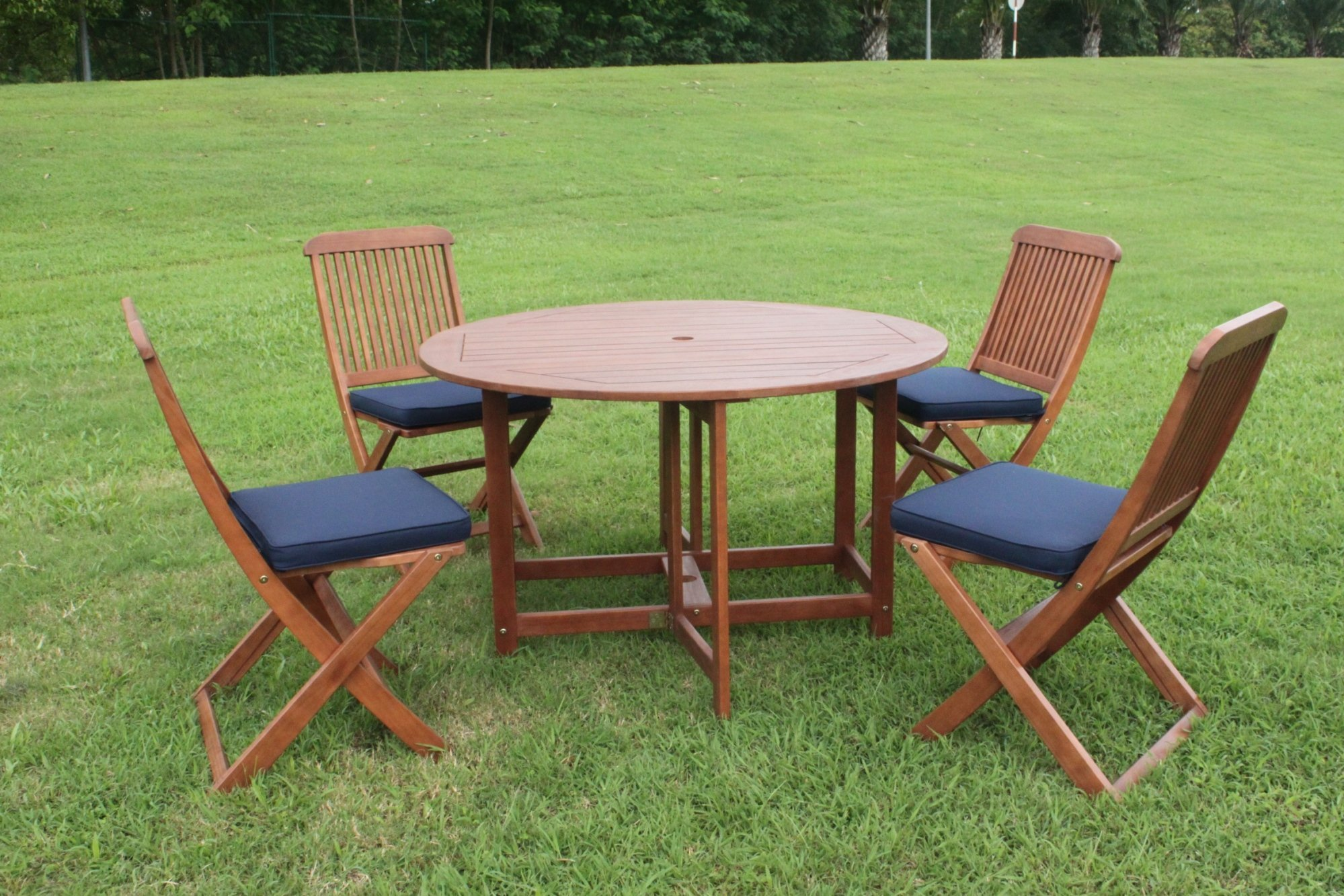 elegance 4 seater folding round patio dining set simply wood
